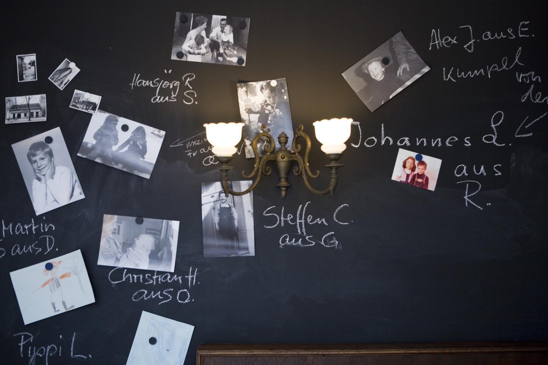 Tafel im Gastraum
